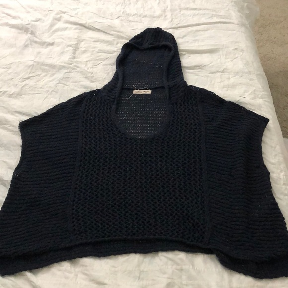Hollister Tops - Knitted sweater sleeveless top with a hood
